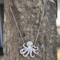 little kracken necklace